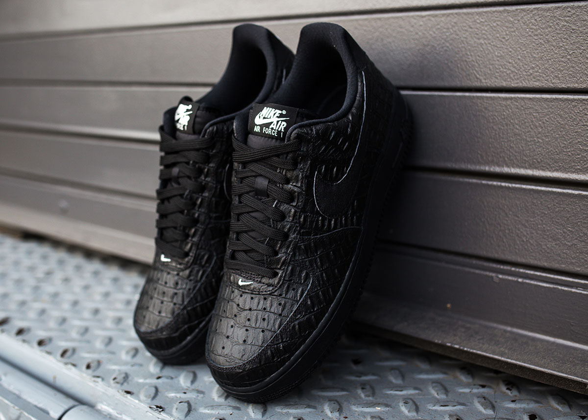 nike air force 1 low all-black crocodile pictures