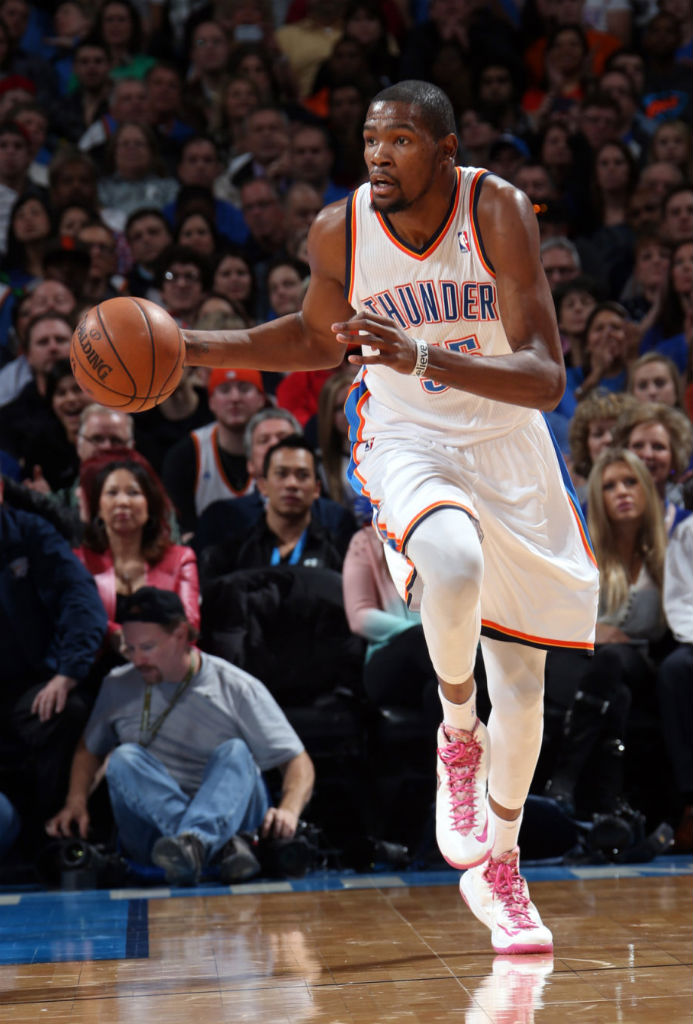 Kevin Durant wears Nike Zoom KD V Aunt Pearl (4)