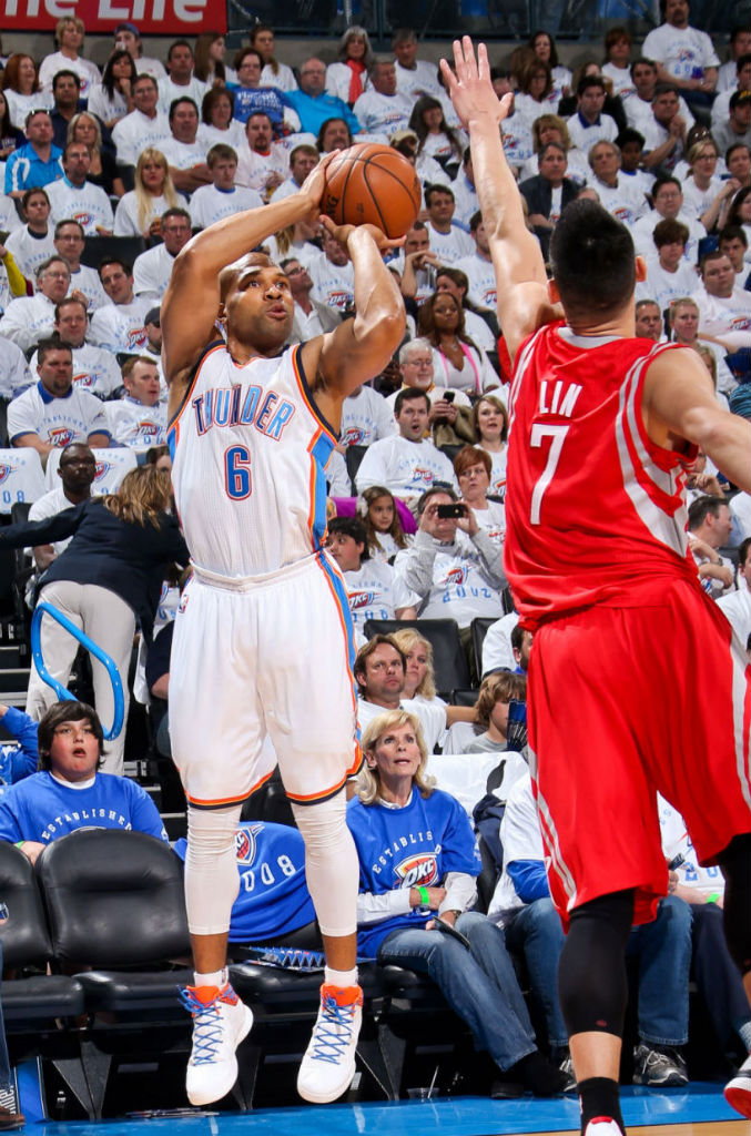 Derek Fisher wearing adidas Crazy Fast PE