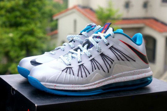 b09f1ab4b301 Nike LeBron X Low Hornets Release Date 579765-002 (1)