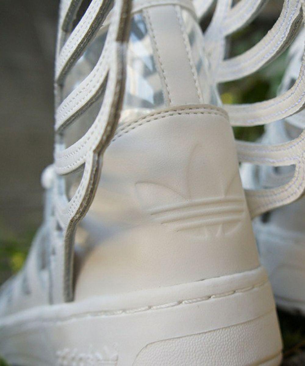 adidas Originals by Jeremy Scott - JS Wings 2.0  Cut-Out   fd40be94ba00
