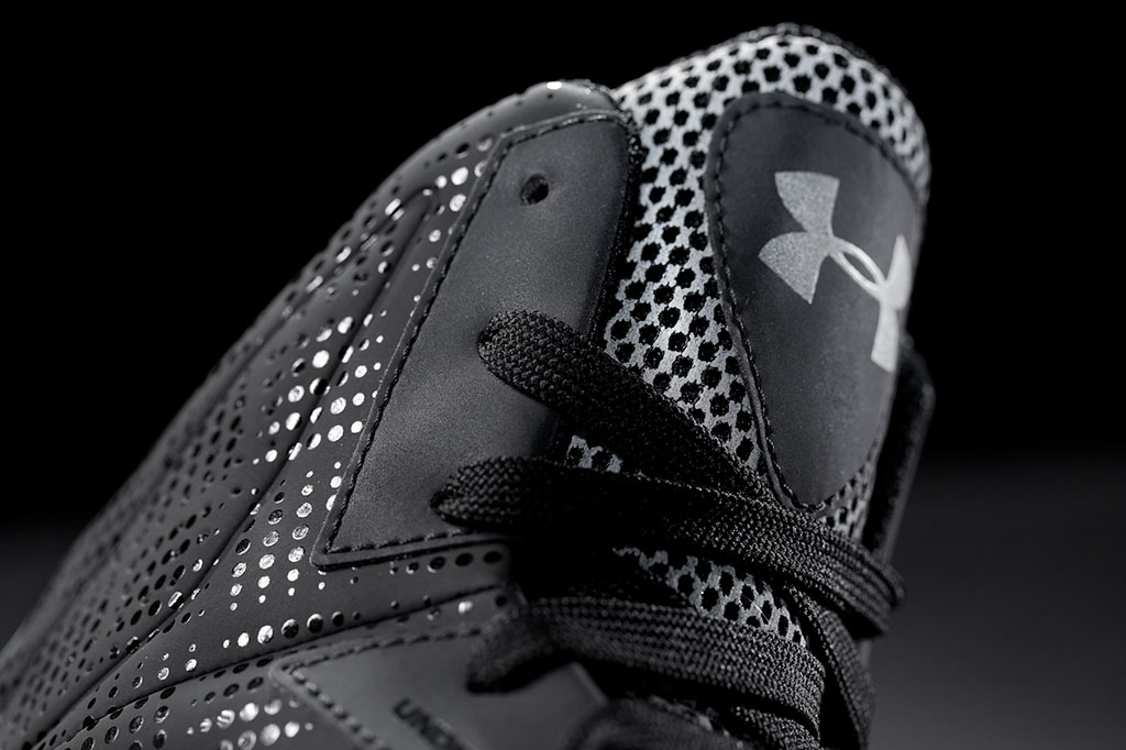 Under Armour Micro G Torch Black Silver (2)