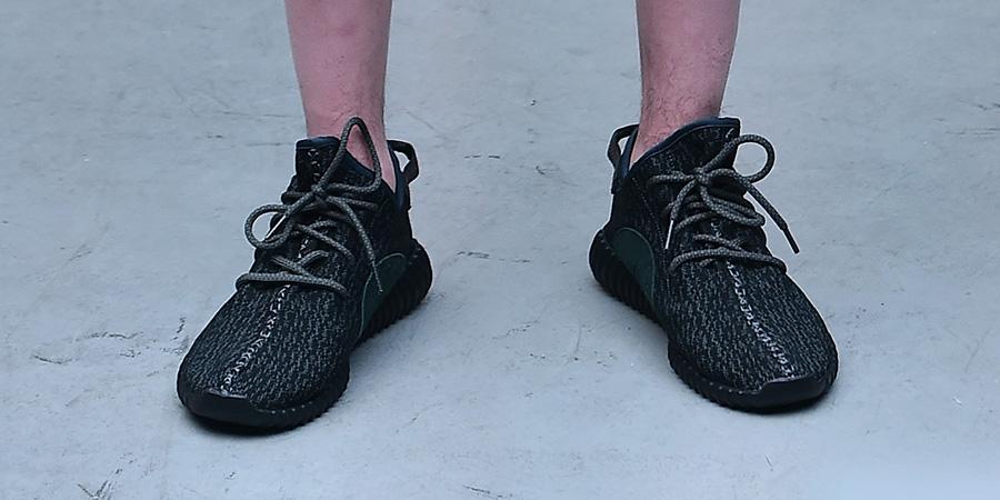 adidas yeezy 750 boost foot locker