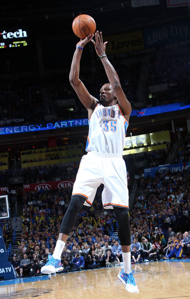 Kevin Durant Scores 54 Points in Nike KD 6 'Home' PE (4)