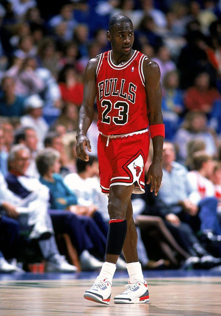 Air Jordan 3 Feu Rouge