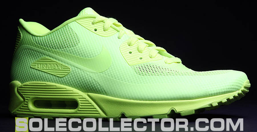 Air Max 90 Hyperfuse Volt On Feet Closer Look // Nike Ai...