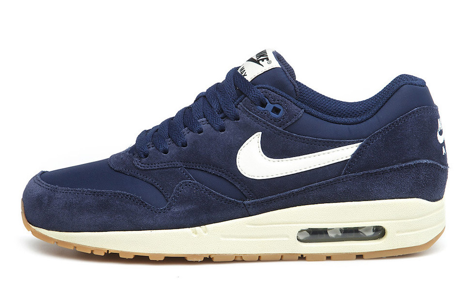 online store 9a4a4 da5ba Nike Air Max 1 Essential Suede Midnight Navy
