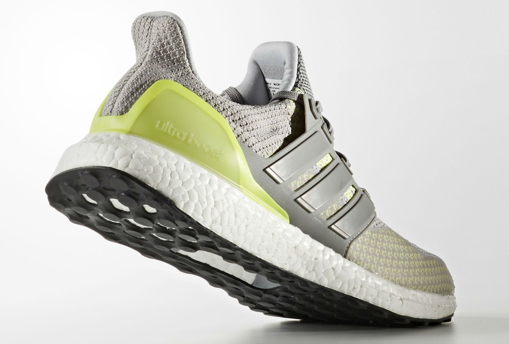 Glow in the Dark Ultra Boost Lateral BB4145
