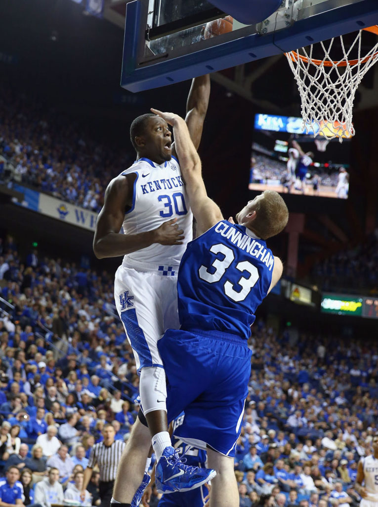 Julius Randle Makes Kentucky Debut in Nike LeBron 11 PE (1)