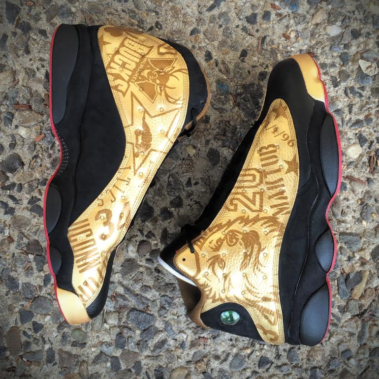 33b99e3f2d4ff6 The black gold look on this Air Jordan 13 doesn t feel connected to a  particular team