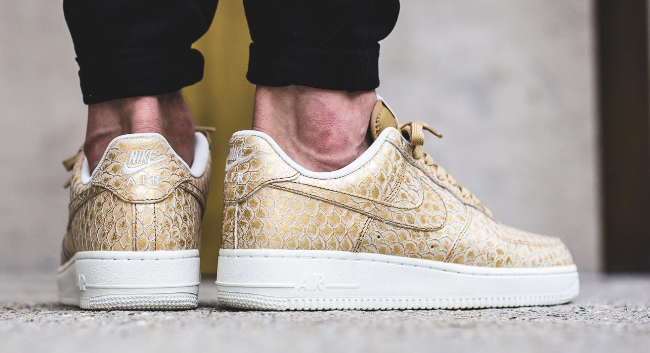 Nike Air Force 1 Hand painted Glitter Sneakers NIKE