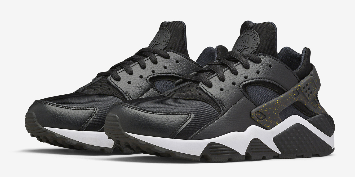 91b6b192dd56 Nike Just Released  Super Bowl  Huaraches