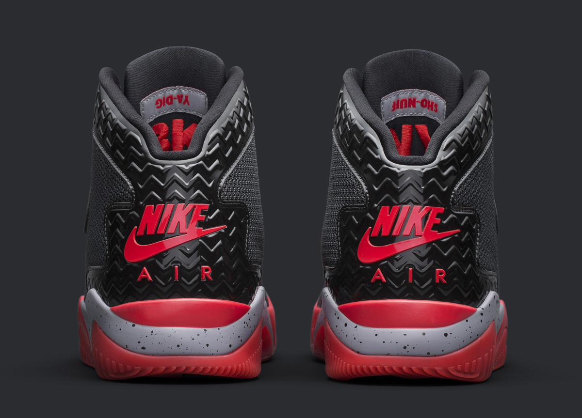 check out b60ea 3dc99 Spike Lee s Latest Jordan Sneaker Is Inspired by an Old Tinker Hatfield  Sketch