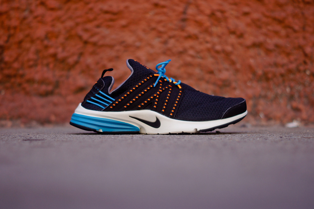 competitive price 1b4a0 e5274 Nike Lunar Presto - Black   Blue Glow