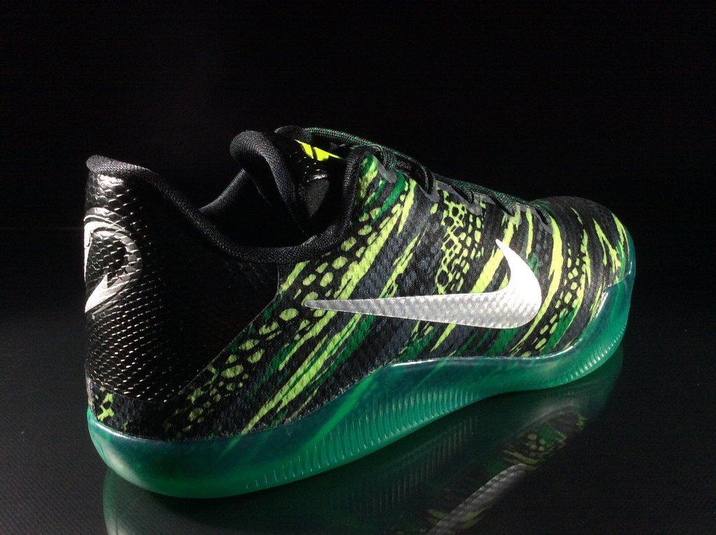 Green Snake Nike Kobe 11 GS Lateral