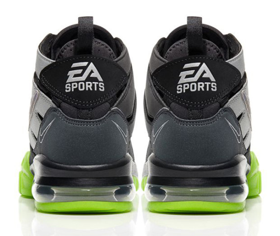 EA Sports x Nike Air Trainer Max 94 heel