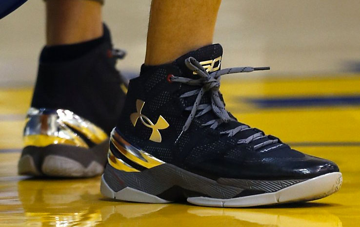 Golden State Warriors' Stephen Curry's shoes raise $30K for Oakland