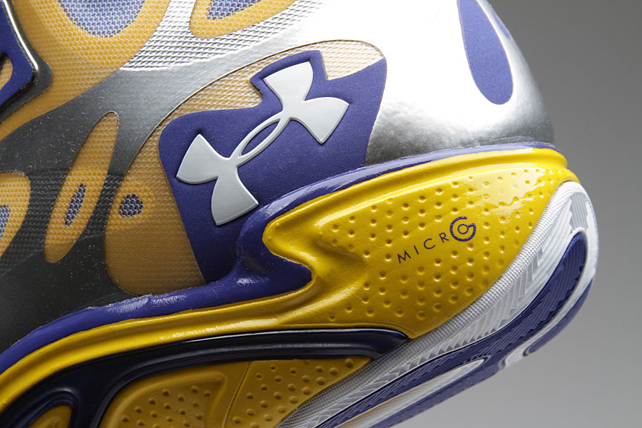 Under Armour Anatomix Spawn Stephen Curry Silver PE (2)