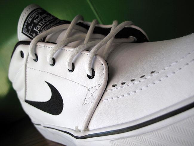 Nike Sb Zoom Stefan Janoski Mid White Black For Sale