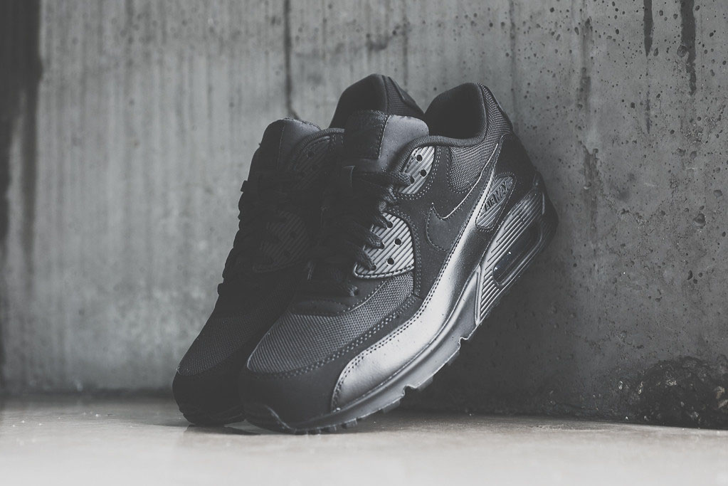 air max 90 essential black suede