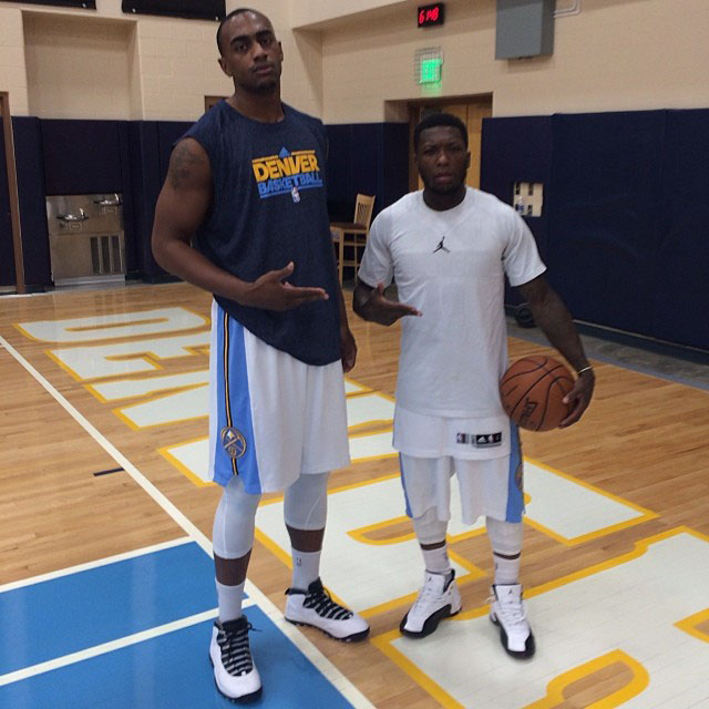 Nate Robinson wearing Air Jordan 12 Taxi; Darrell Arthur wearing Air Jordan 10 Steel