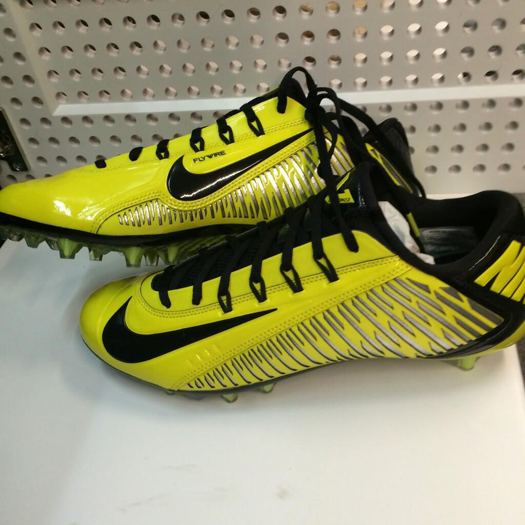 nike vapor carbon cleats 2014