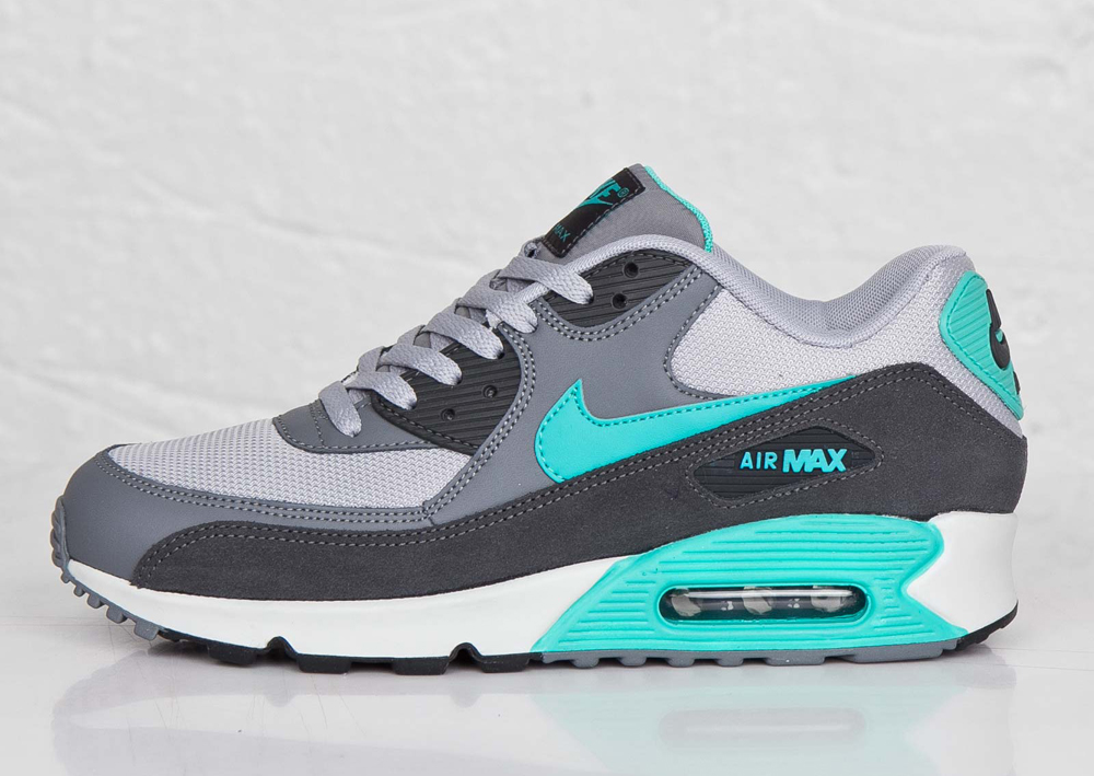 huge discount 86771 22731 Nike Sportswear Says this Air Max 90 Is Essential