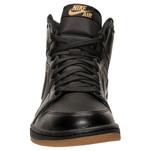 ccf33fd97bb2 Air Jordan 1 Retro High OG Black Gum Release Date 555088-020 (4