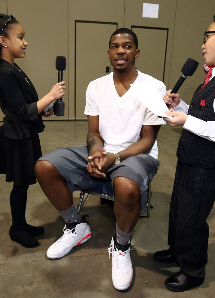 Joe Johnson wearing Air Jordan 6 White/Infrared