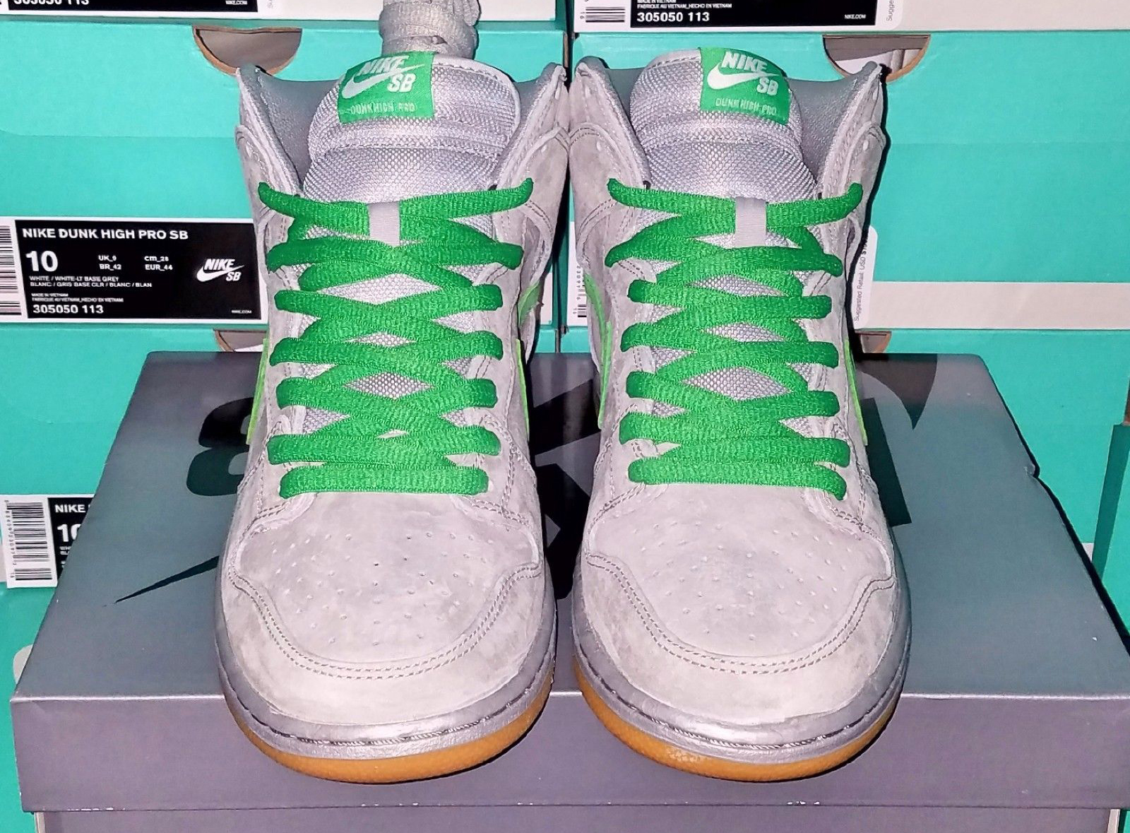 more photos 2a73b 76e39 Nike SB Dunk Silver Box Front