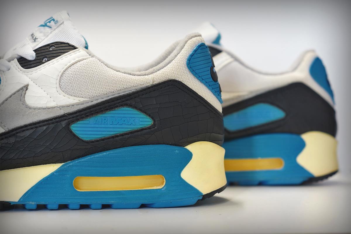 innovative design 38cbd d656e Reminisce with These Original Nike Air Max 90 Gems.