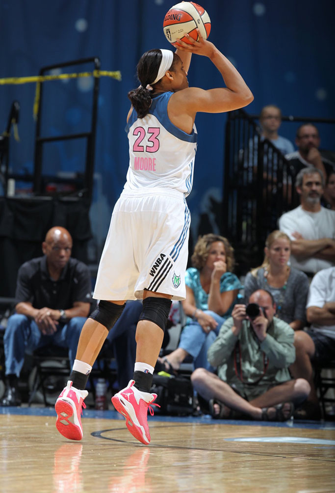 Jordan Fly 23 Maya Moore Breast Cancer Awareness PE (1)