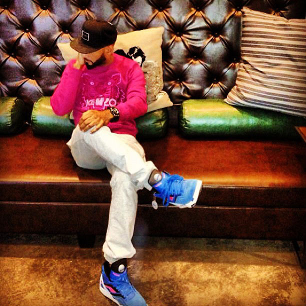Swizz Beatz wearing Reebok Pump Twilight Zone Cycle Blue