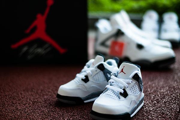 new styles f1736 8c898 Air Jordan Retro 4