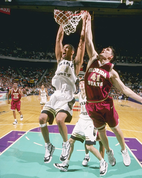 06588bcf1e7 ... A Look Back at The Most Notable Sneakers Worn By Tim Duncan ...
