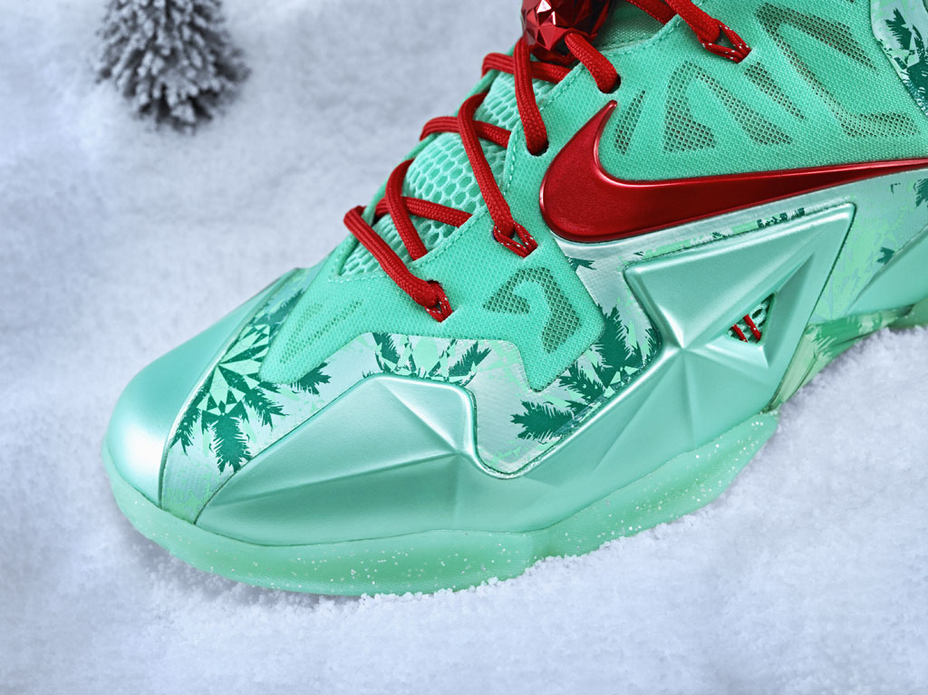 Nike Basketball 2013 Christmas Pack // LeBron 11 (4)