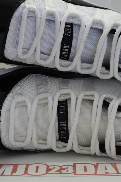 "Air Jordan Retro 11 ""Concord"" (2011) vs. Air Jordan Retro 11 ""Concord"" (2000)"
