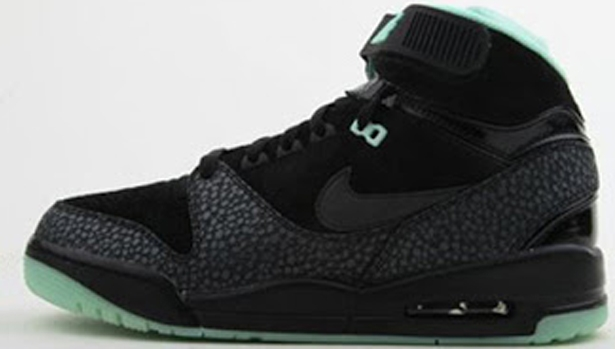 Nike Air Revolution Premium QS Black/Black-Artic Green-Dark Grey