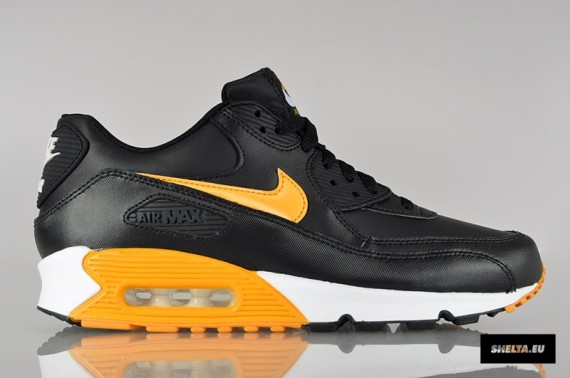 Nike Air Max 90 Essential Black and Gold