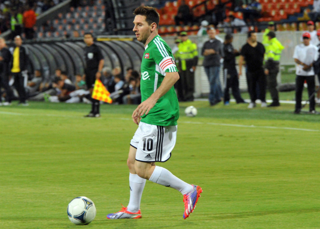 Leo Messi Debuts adidas adizero F50 Cleat In Turbo/Purple (1)