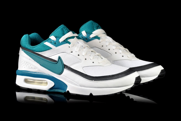 pas mal 88f05 4b8e2 Nike Air Classic BW - White/Freshwater-Black | Sole Collector