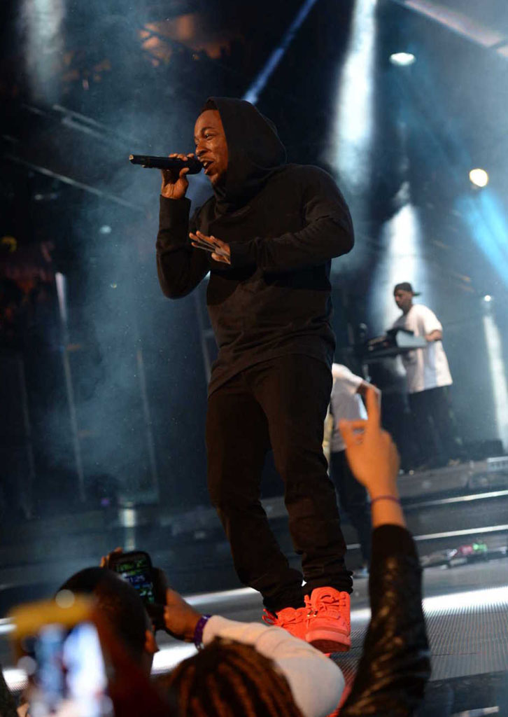 Kendrick Lamar Wears 'Red October' Nike Air Yeezy 2 (6)