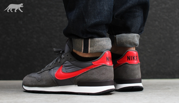nike the internationalist
