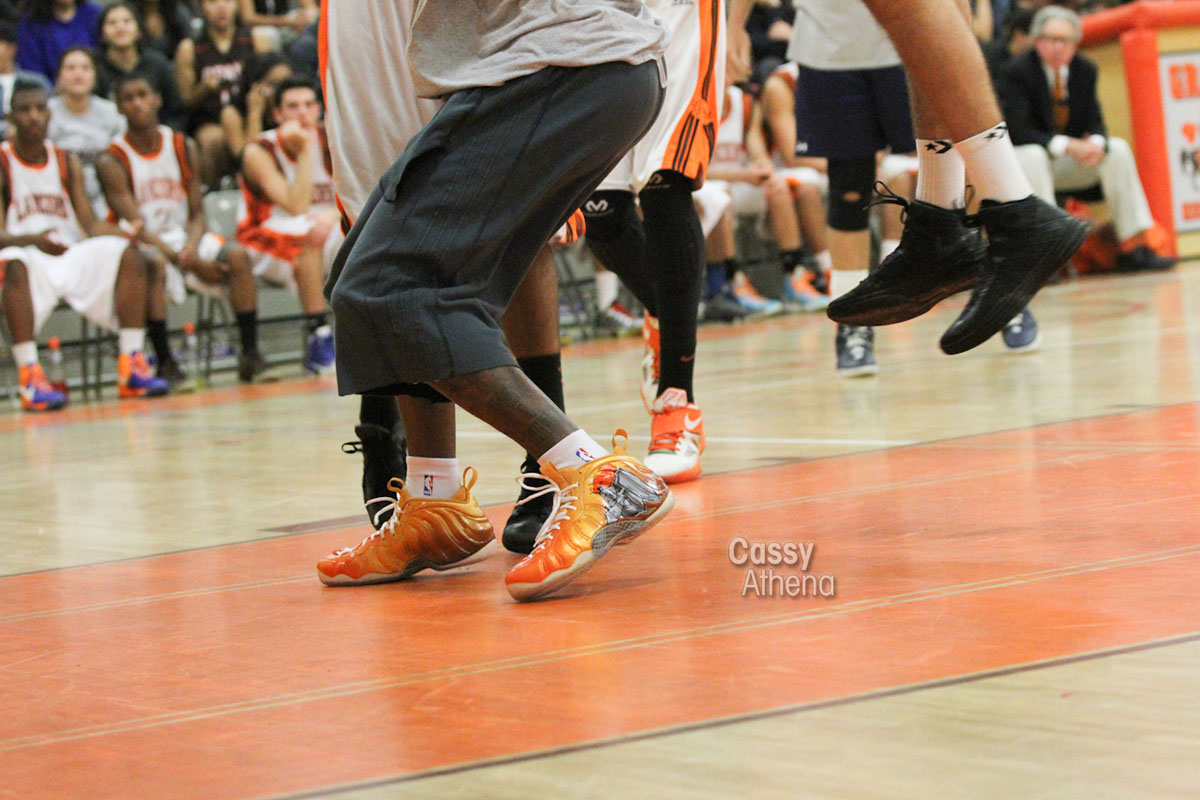 Glbert Arenas wears Custom Nike Air Foamposite One for Grant High Alumni Game (1)