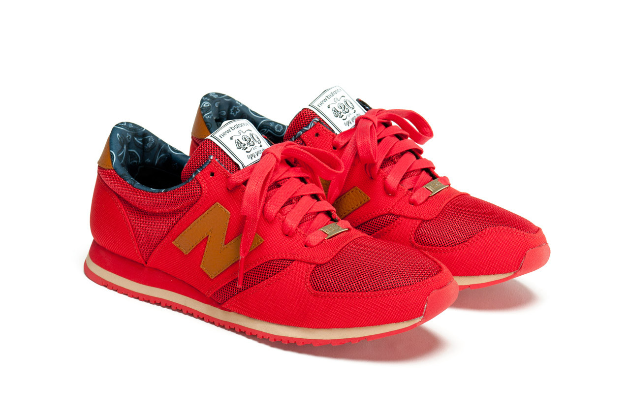 new balance herschel supply co 420 sign