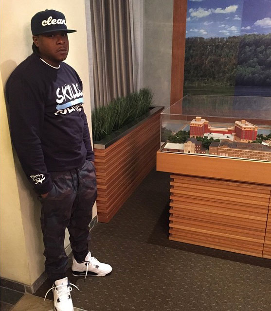 Jadakiss wearing Air Jordan IV 4 Legend Blue