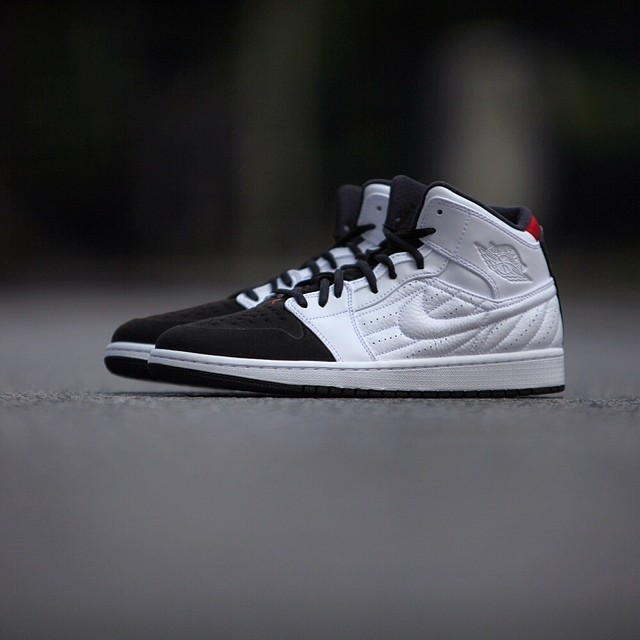Air Jordan 1 99 White Black Red Release Date 654140 101
