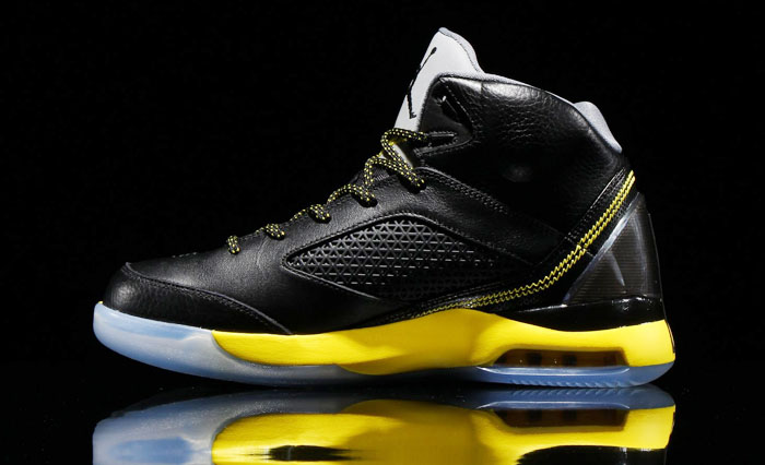Air Jordan Flight Remix Black/Vibrant Yellow-Cool Grey Release Date 679680-070 (2)