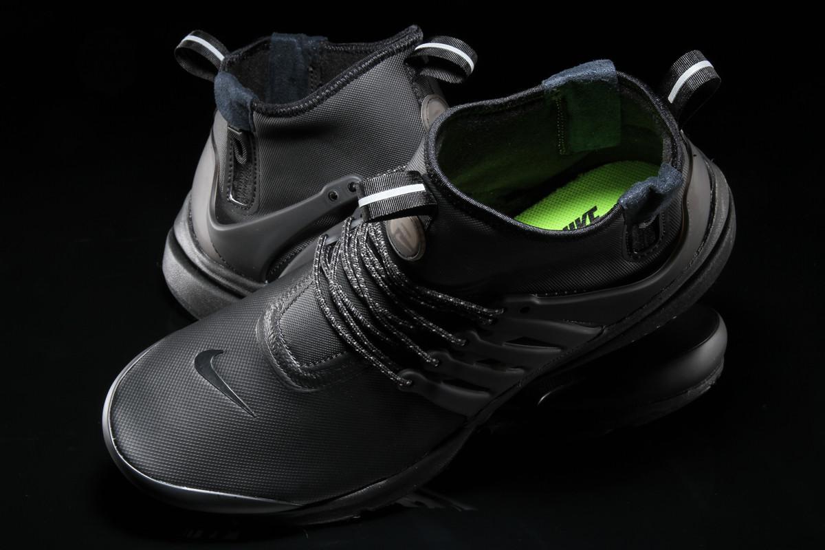 finest selection e85f7 043d2 Image via Premier · Nike Air Presto Mid Utility Triple Black Top