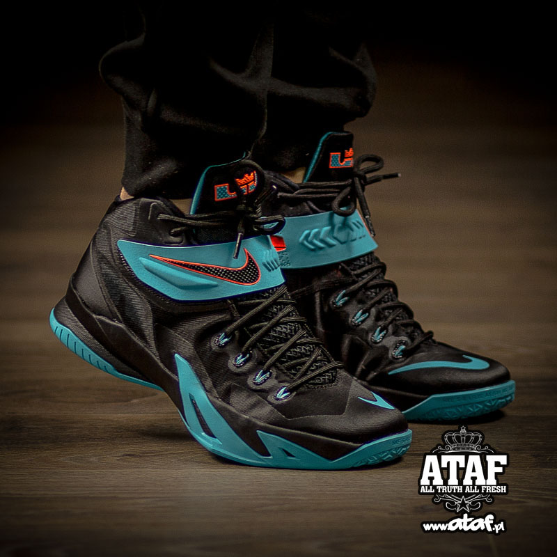 1eb44fb9cdd6 Nike Zoom Soldier VIII 8 Dusty Cactus 653641-002 (!)